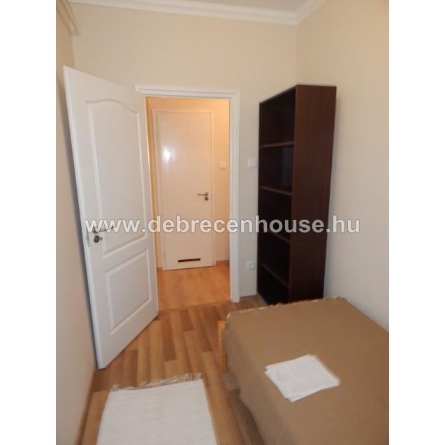 Cozy, american style kitchen+1 bedroom+1 study room flat. 120K