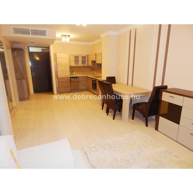 1 bedroom flat in center at Párizsi udvar. 140K