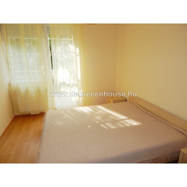 2 bedrooms flat, next to medical uni., in Dóczy street 200K