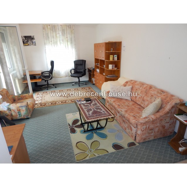 1 bedroom flat in newer building close to med. uni. 125K