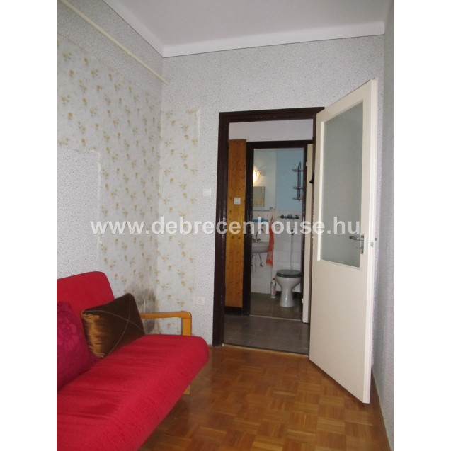 Living room + 2 bedrooms flat for SALE. In Thomas Mann street. 23 m. Ft.