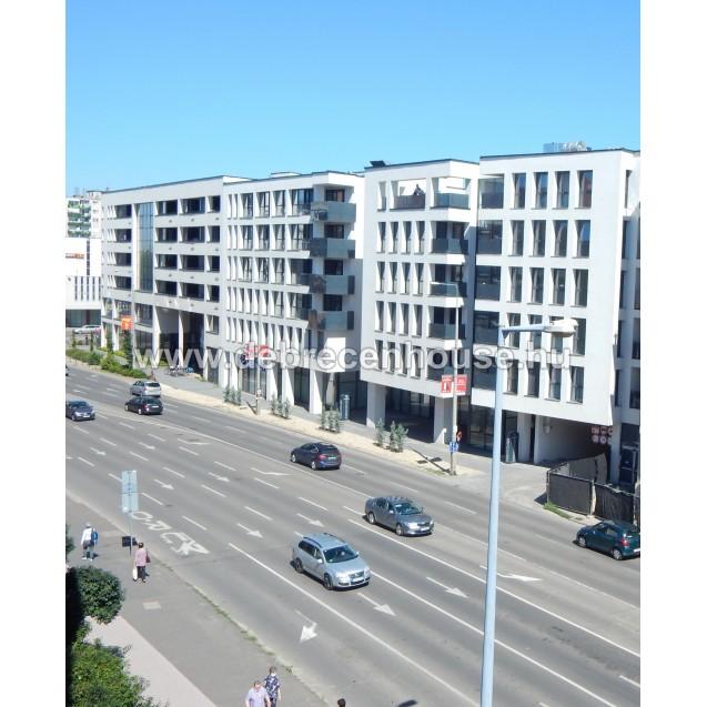 "The newest building at city center. ""Párizsi udvar 2."" 1 bedroom flat. 165K"