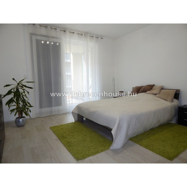 "2 bedrooms + american style living room with huge terrace at ""DÓCZY PARK"". 300K"