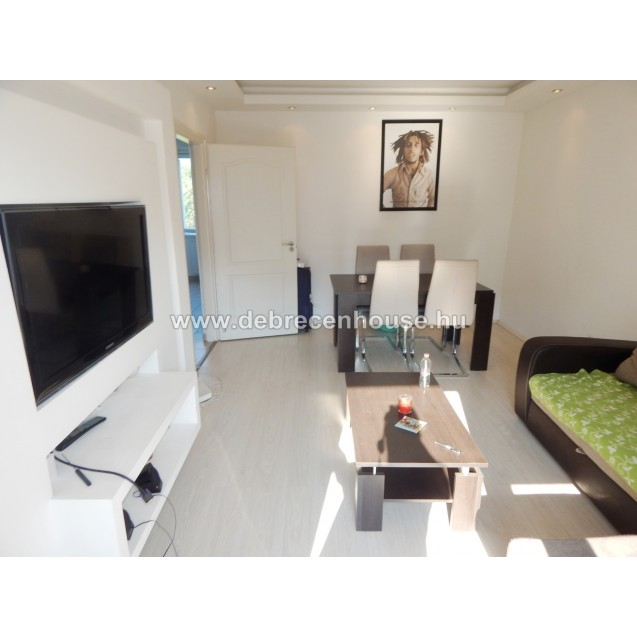 FOR SALE! 2 bedrooms flat between the Medical and Agricultural uni. 30.9 m. Ft.