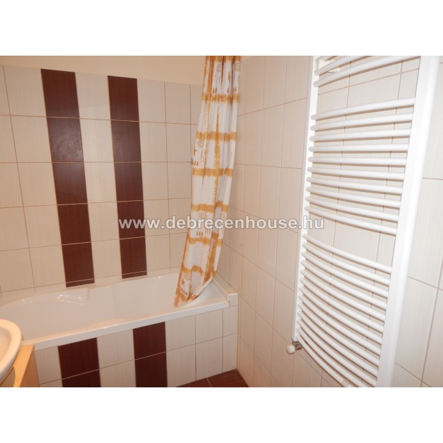 """For Sale!  2 bedrooms flat. Nappali + 2 szobás, 2 erkélyes lakás a """"Füredi kapuban"""" 34.9 m. Ft."""