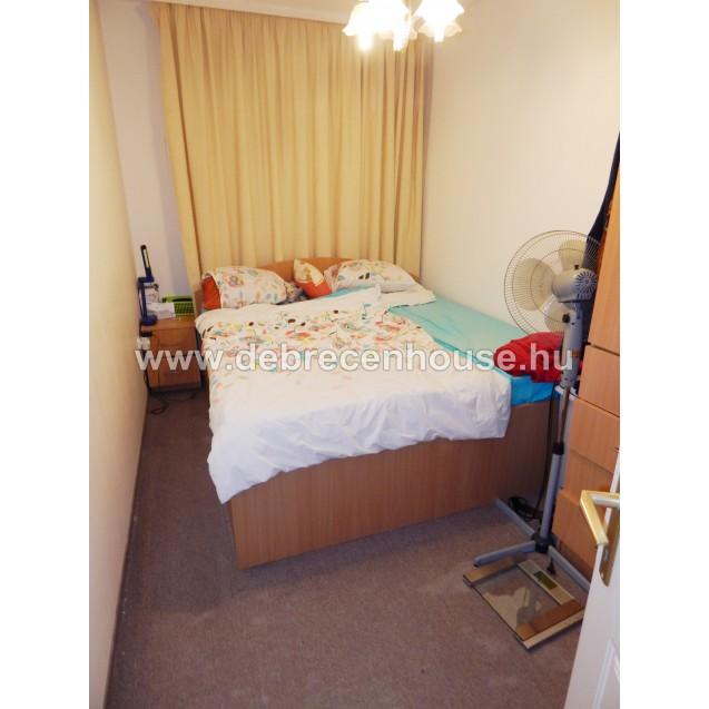 1 bedroom flat close to uni, at Nagy Lajos király tér. 115K