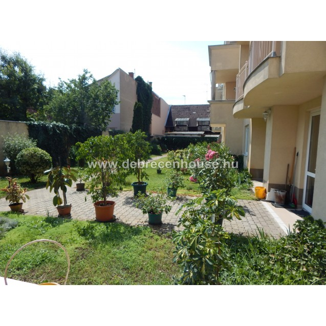 American style living room with terrace + 1 bedroom flat at Bem tér. 120K