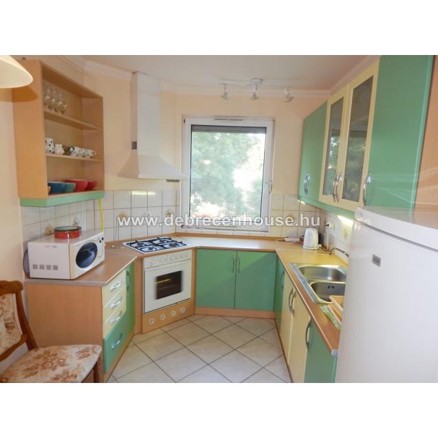 1 bedroom flat in Komlóssy str. very close to Med. Uni.  125K