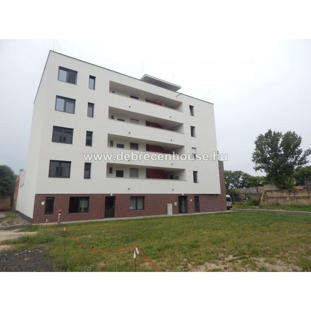 Brand new building, brand new studio flat at city center. 110K