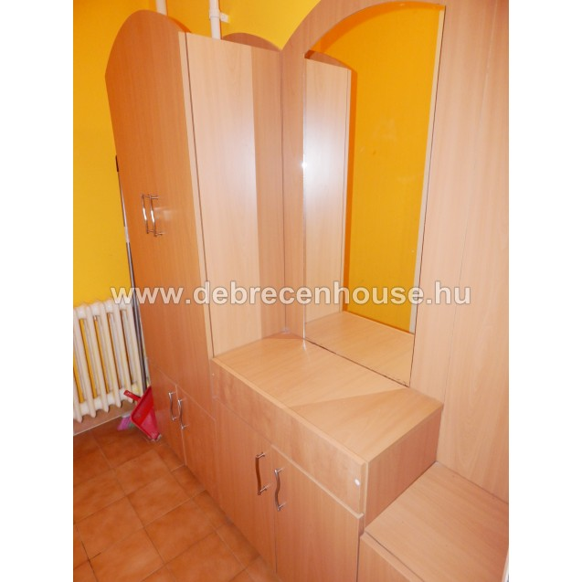 3 rooms flat for SALE in city center.